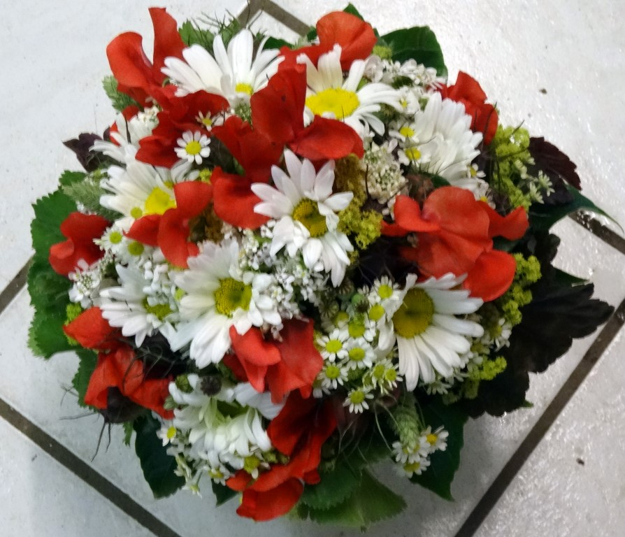 Brautstrauß rot-weiß